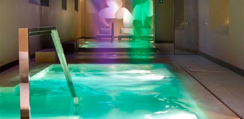 Tratamiento 'Blu' Monday para celebrar nuestra apertura en el Radisson Blu Hotel